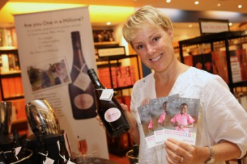 Messenger Newspapers: Sally Dynevor at the Trafford Centre