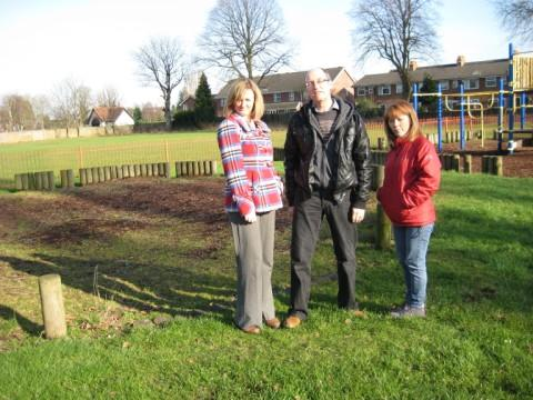 (l to r) Cath Hynes, Kevin Procter and Jo Harding at the park