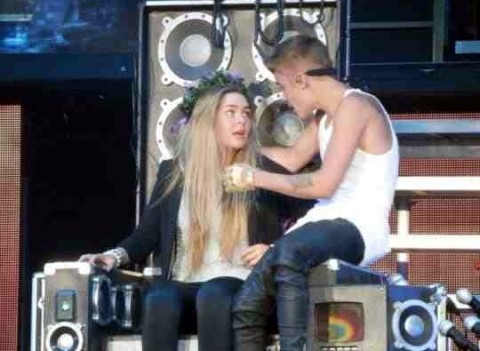 Justin Bieber brings Trafford teenager on stage and makes her his One Less Lonely Girl