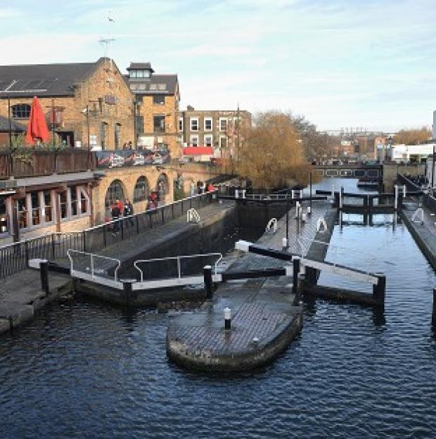Messenger Newspapers: The Environment Agency is said to be planning to cut 90 residential keepers dealing with locks, sluices and weirs on the River Thames