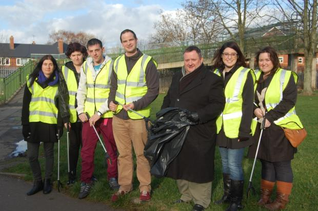 Conservative candidate holds litter pick sesion