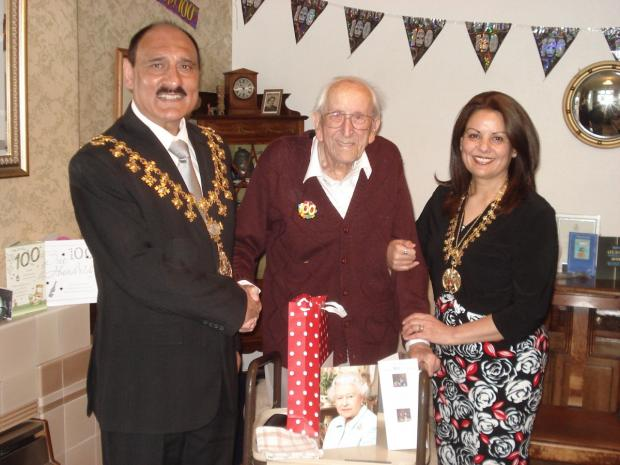 Timperley celebrates 100th Birthday with message from the Queen