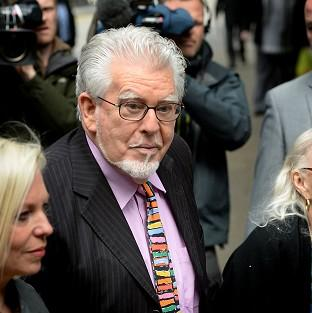 Rolf Harris arrives at Southwark Crown Court