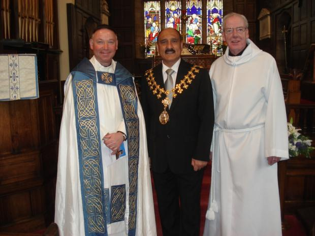 (L to R): Archdeacon Ian Bishop, Mayor Cllr Dylan Butt and Canon John Sutton