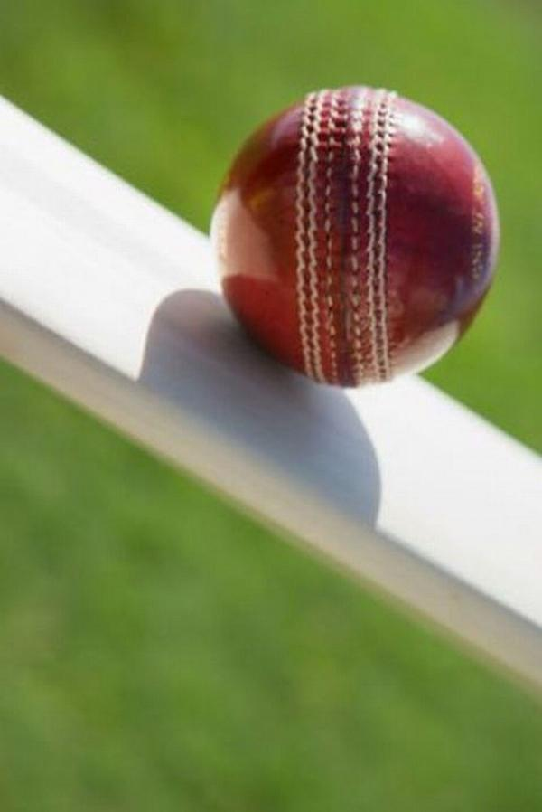Bowdon's batting woes continue