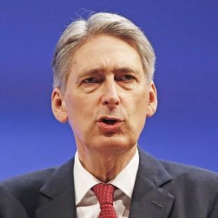 Foreign Secretary Philip Hammond has chaired a meeting of the Cobra committee to assess the crisis in northern Iraq