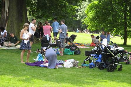 Messenger Newspapers: Families enjoy the Big Lunch event at John Leigh Park