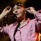 Messenger Newspapers: Sinead O'Connor denies reports that she threatened to jump off a Chicago bridge