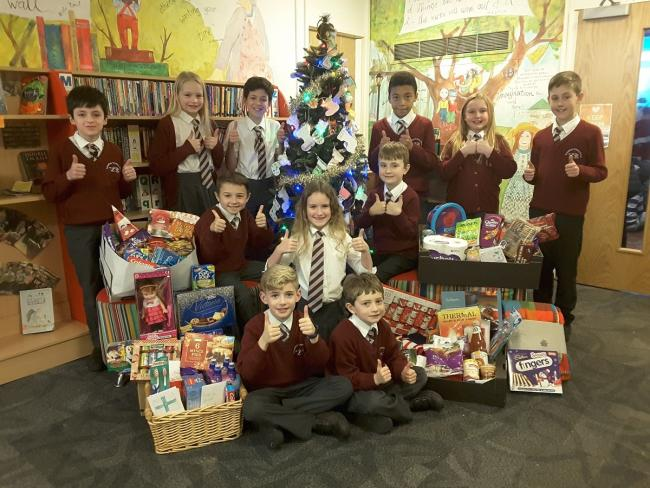 Tyntesfielod pupils with some of the food they collected